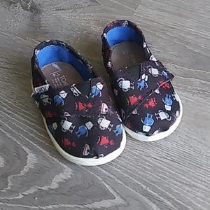 TOMS robot print shoes size 4